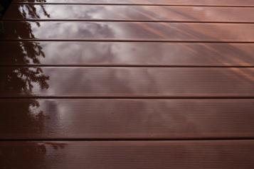 Horizontal - Decking after rain